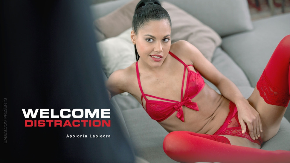 Apolonia Lapiedra: Welcome Distraction HD 1080p