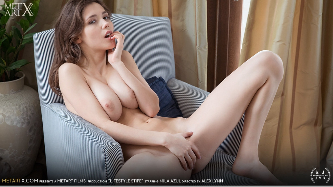 Mila Azul: Lifestyle Stripe HD 1080p